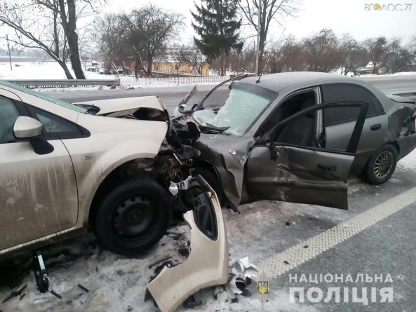 Під Новоградом зіштовхнулися 4 автомобілі: загинув 22-річний житомирянин