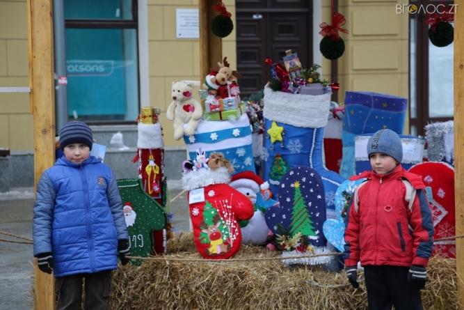 У Житомирі відбувся фестиваль «Різдвяна панчоха»