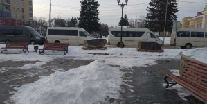У Бердичів на зустріч з Порошенком привезли 13 автобусів людей, а у Житомирі – привели студентів