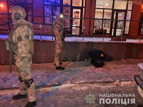 Поліція затримала групу чоловіків, які вимагали у бердичівлянки гроші