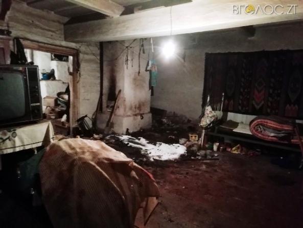 Північ області: тіло 90-річної жінки знайшли на ліжку під час пожежі