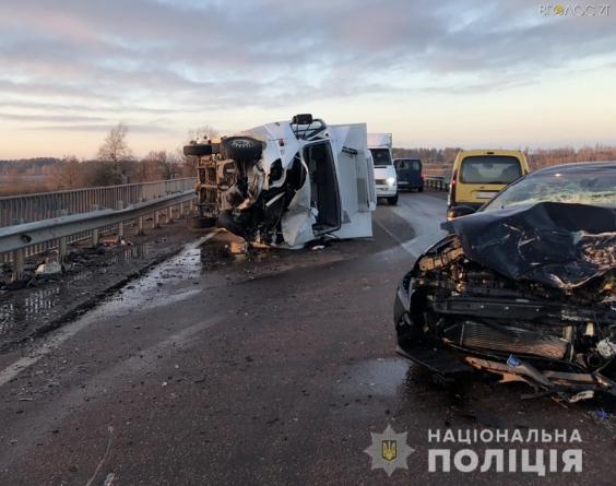 На Житомирщині в ДТП постраждали 5 людей. З них троє дітей
