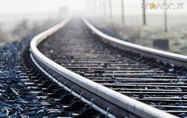 25-річна жінка загинула під колесами потяга у Бердичеві