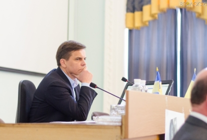 Сухомлин ще не знає, чи каратиме свого заступника через невиконання доручення