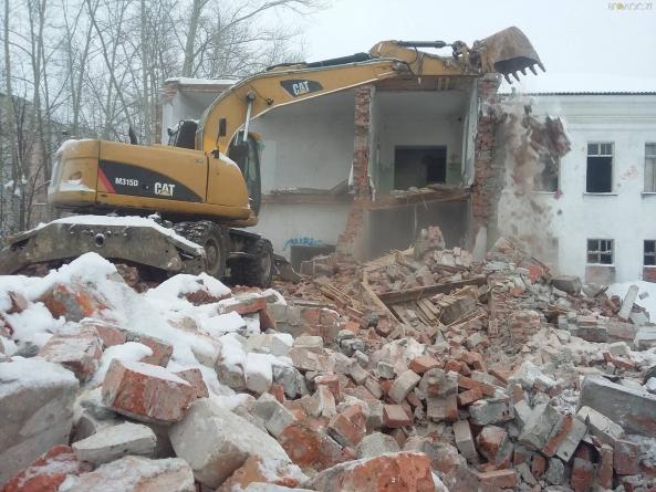 Депутати Житомирської міськради не дозволили демонтувати вечірню школу (ОНОВЛЕНО)