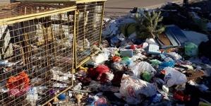 Жителі вулиці Короленка обіцяють зносити у міськраду сміття, щоб «пахло» міському голові