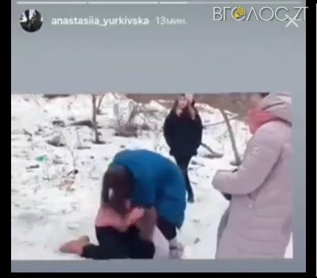 За фактом бійки школярок у Житомирі поліція розпочала кримінальне провадження