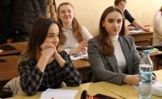 У старшокласників житомирської міської гімназії №23 тепер не уроки, а «пари»