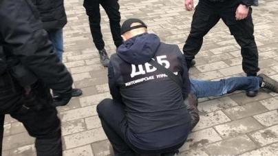У Житомирі викрили наркобанду та її організатора, які збували амфетамін