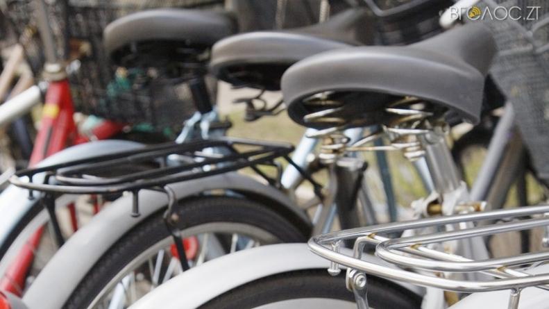 Слуги народу: у Новограді чиновників міськради пересадять на велосипеди