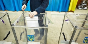 У Овручі та Бердичеві виборці розірвали бюлетені на дільницях