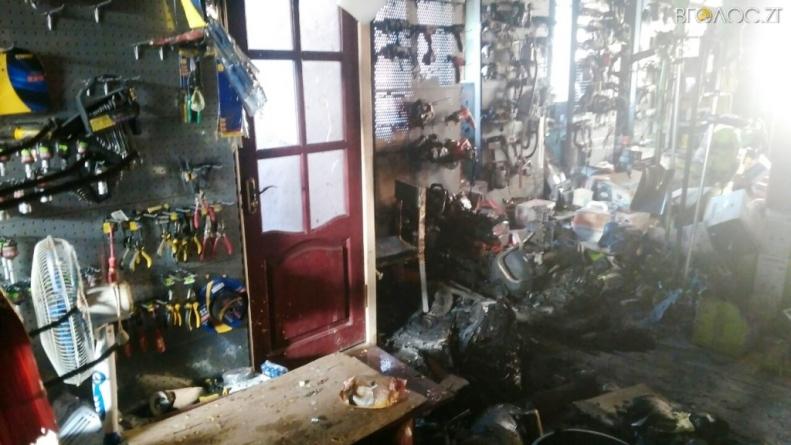 У Бердичеві сталася пожежа у ресторані, а у Ружині – в магазині мототехніки  (ФОТО)