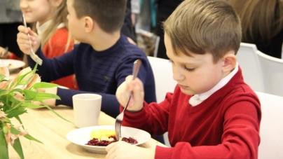 Незабаром меню житомирських шкіл може поповнитися незвичними стравами