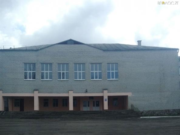 Житомирський ліцей встановить металопластикові двері та вікна на 130 тисяч