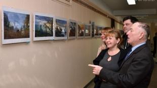 У Житомирі відкрили фотовиставку «Неповторні барви України»