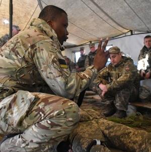 Як іноземні військові тренують за стандартами НАТО житомирських десантників (ФОТО)