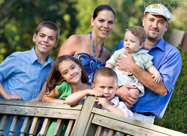 Багатодітним сім'ям Житомирщини, які мають дітей до 6 років, обіцяють доплату на їх виховання