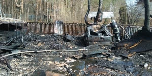 Згоріла бабуся, яка намагалася загасити пожежу, а дідусь помер у лікарні