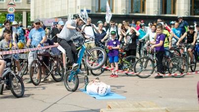 «Велодень»: понад 3,5 тисячі житомирян проїхали вулицями Житомира на велосипедах