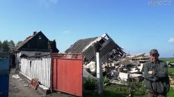 Буревій залишив без світла 35 населених пунктів, зірвав дах у будинках та школі
