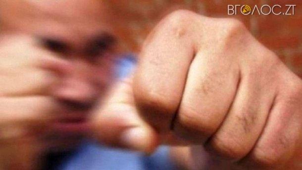Двох міліціонерів, які побили невинного чоловіка, засудили до 5 років