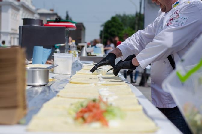 У Житомирі на Михайлівській змагались юні кухарі (ФОТО)