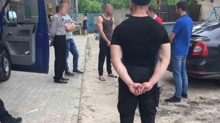 На Житомирщині правоохоронці затримали групу рекетирів