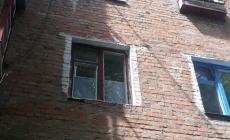 У Коростенському районі з вікна випав 4-річний хлопчик: дитина у реанімації