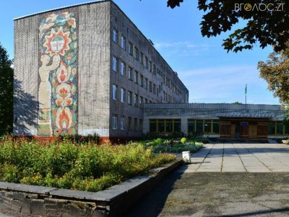 Житомирська школа заплатить 120 тисяч за захист від блискавки