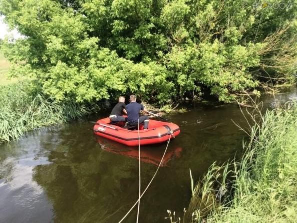 За добу рятувальники дістали з водойм області двох потопельників