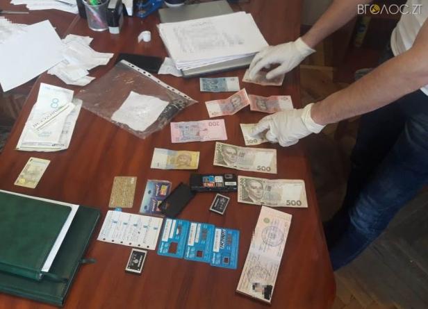 На Житомирщині двоє поліцейських систематично брали хабарі