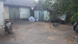 У селі на Житомирщині чоловік вбив пенсіонера і підпалив його будинок, щоб замаскувати вбивство під пожежу