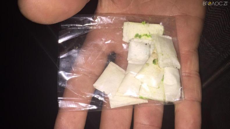 У Житомирі група наркоділків торгувала метадоном, який закуповували у Києві та Львові