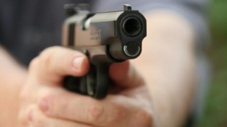 У Ємільчинському районі незнайомець на моторолері застрелив велосипедиста