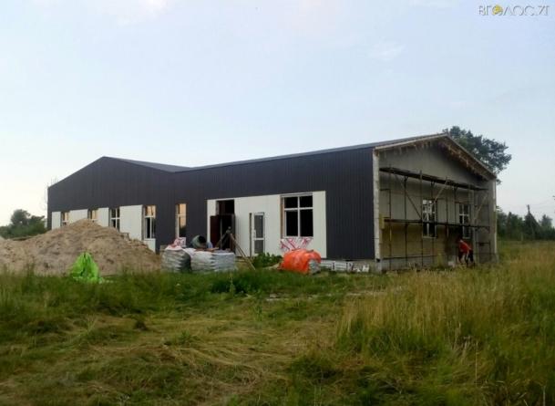 Оприлюднили фото медичних амбулаторій, які будують у селах на Житомирщині