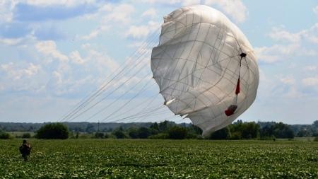 Як майбутні десантники вперше стрибали з парашутом (ФОТО)