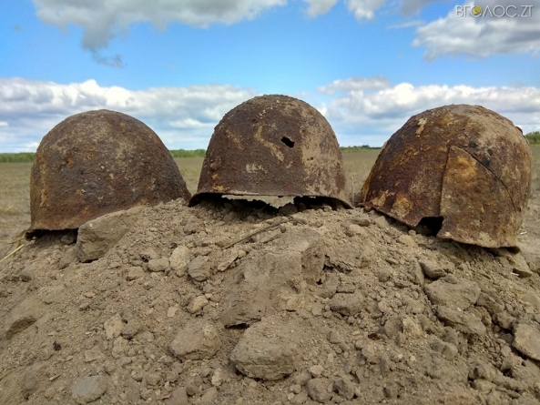 Останки трьох солдатів, які загинули під час боїв 1941 року, знайшли у Новоград-Волинському районі (ФОТО)