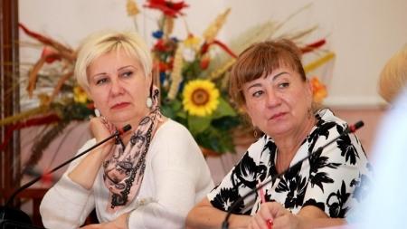 Директорами трьох комунальних закладів в облраді хочуть призначити теперішніх в.о.