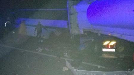Жах! Під Новоградом вантажівка влетіла у автобус: загинули 9 людей, ще 10 – у лікарні