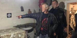 Через пляшку горілки чоловік вбив старенького односельця та пішов вечеряти з дружиною