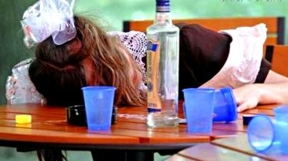 Поліцейські зафіксували півсотні фактів продажу дітям алкоголю та цигарок на Житомирщині