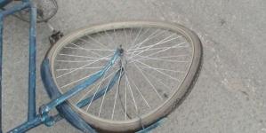 У Новограді фура з напівпричепом збила велосипедиста. Чоловік помер у реанімації