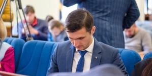Депутати звільнили заступника мера Ткачука. Через це його соратники вийшли із фракції БПП