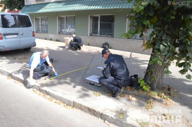 У Житомирі невідомі стріляли у поліцейського