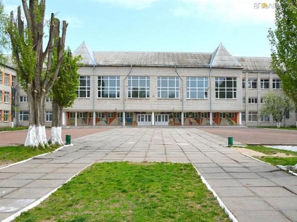 Житомиряни нагадали міськраді, що подвір'я школи №14 не ремонтували 40 років