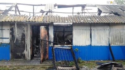 На Житомирщині згоріли кілька магазинів з одягом та продуктами