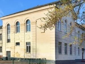 Завершення ремонту та перекриття даху старого корпусу гімназії №23 не передбачено у найближчі два роки