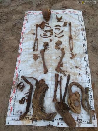 На Житомирщині знову знайшли останки солдатів минулої війни
