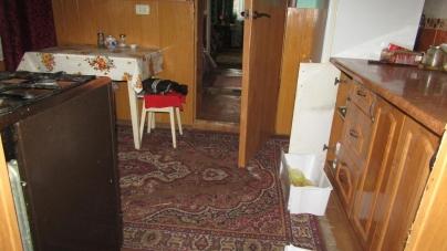 28-річний коростенець заліз у вікно і викрав продукти… із холодильника свого родича
