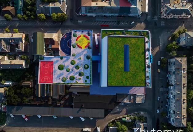 """Підприємці з Житнього ринку виступили проти ідеї будувати на їх """"місцях"""" торговий центр з паркінгом"""